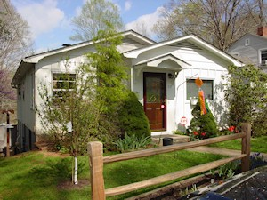 Asheville NC Home Stay Program - Dea Sasso