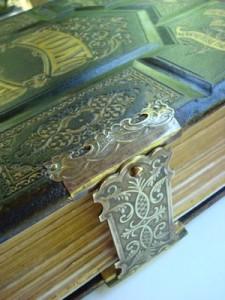 Bryan Family Bible Restoration - Dea Sasso